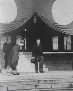 昭和陛下12.jpg